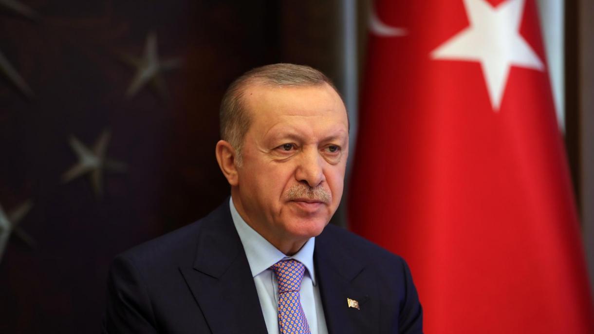 Турция усилила карантин: запретили выходить наулицу людям моложе 20 лет