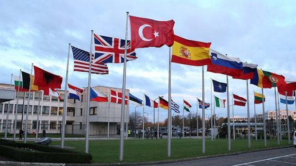 Në NATO mbahet sot takimi kritik Turqi-Greqi për Mesdheun Lindor | TRT  Shqip