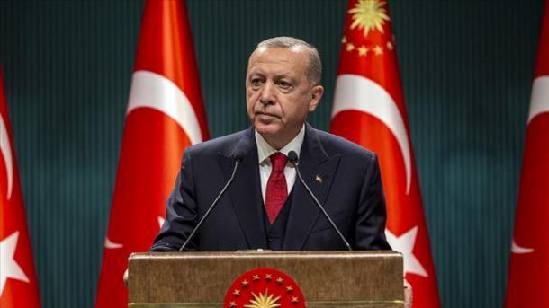 Presidenti Erdogan uron Ersin Tatar për fitore në zgjedhje presidenciale në RTQV | TRT  Shqip