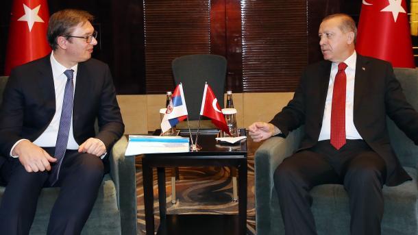 Erdogan takohet me Vuçiçin në Stamboll | TRT  Shqip