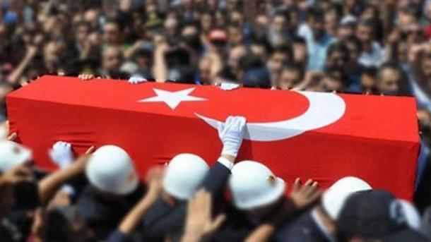 Turqia vajton për ushtarët që ranë dëshmorë si pasojë e rrëzimit të helikopterit në rrethin Bitlis | TRT  Shqip