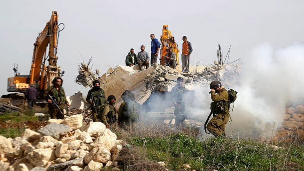 Jevrejski doseljenici buldožerima uzurpirali poljoprivredno zemljište Palestinaca