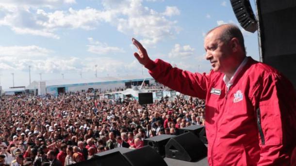 Erdogan: Populli turk e tregoi në 15 korrik 2016 se nuk ka frikë nga vdekja | TRT  Shqip