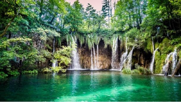 A e dini se mali Ida, i cili përmendet në mitologjinë greke, sot njihet me emrin mali Kaz? | TRT  Shqip