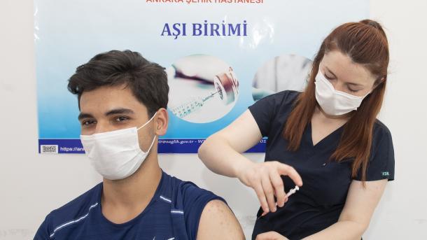 Turqia, vendi i 7-të më i vaksinuar në botë | TRT  Shqip
