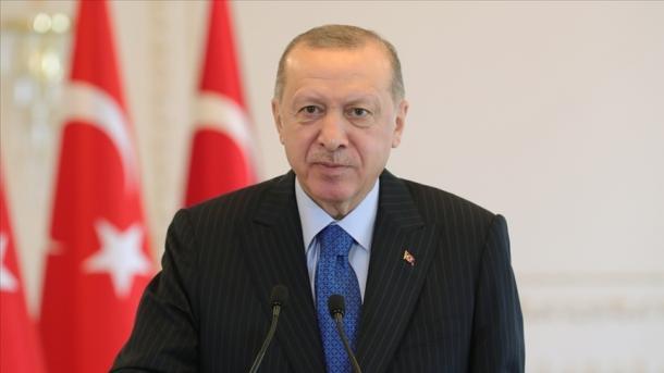 Erdogan: Viti 2021 është viti i Yunus Emresë dhe turqishtes | TRT  Shqip