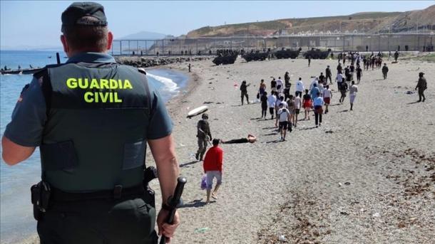 Shkeljet e të drejtave kundër emigrantëve vazhdojnë në kufijtë e BE-së   TRT  Shqip