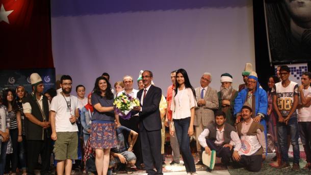 Bota mëson turqisht | TRT  Shqip