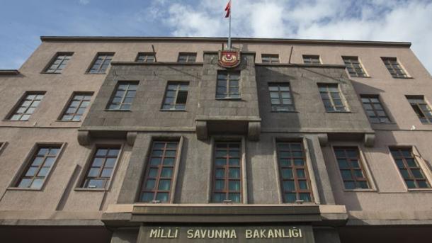 Ushtria turke vazhdon operacionet kundër terroristëve brenda dhe jashtë vendit | TRT  Shqip