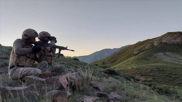 Lufta antiterror, vazhdon shpërbërja e organizatës separatiste terroriste PKK | TRT  Shqip