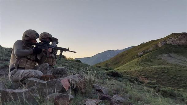 Lufta antiterror, vazhdon shpërbërja e organizatës separatiste terroriste PKK   TRT  Shqip
