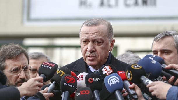 Erdogan: Qëndrimi për Idlibin do të qartësohet pas telefonatës me Putinin në mbrëmje | TRT  Shqip