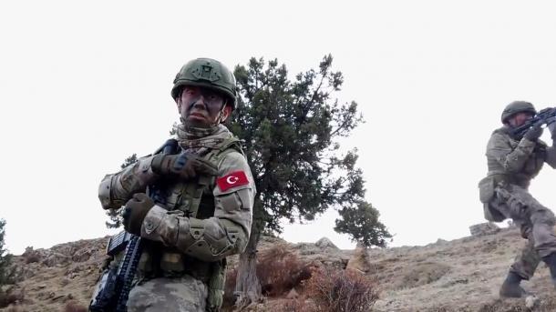 """Ushtria turke neutralizon 7 terroristë në kuadër të operacioneve """"Eren""""   TRT  Shqip"""