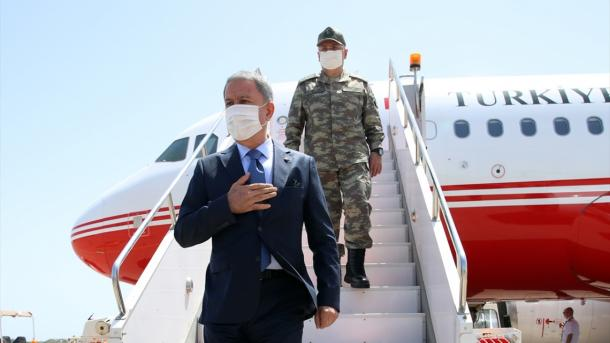 Ministri i Mbrojtjes Kombëtare, Hulusi Akar shkoi në Libi | TRT  Shqip