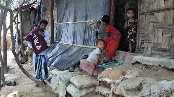 TIKA do të shpërndajë ushqim të ngrohtë për myslimanët e Arakanit në kampin e djegur në Bangladesh | TRT  Shqip
