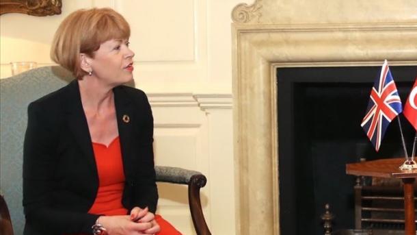 Mbretëria e Bashkuar mirëpret vendimin për rifillimin e bisedimeve eksploruese Turqi-Greqi   TRT  Shqip