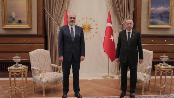 Rama: Me Presidentin Erdoğan kemi marrëdhënie miqësie dhe partneriteti | TRT  Shqip