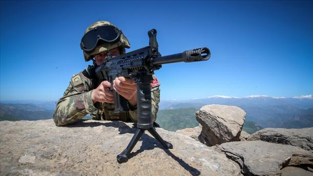Komandot turke neutralizojnë 6 terroristë të PKK/YPG-së në Siri | TRT  Shqip