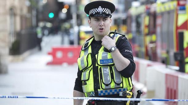 Muslimansko dijete teže povrijeđeno nakon što je bilo žrtva napada nožem ispred džamije u Engleskoj