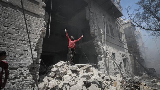 Regjimi sirian vazhdon shkeljen e armëpushimit në Idlib | TRT  Shqip
