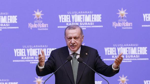 Erdogan: Çmimi Nobel për Letërsi i është dhënë përfaqësuesit të një grupi të vampirëve intelektualë | TRT  Shqip