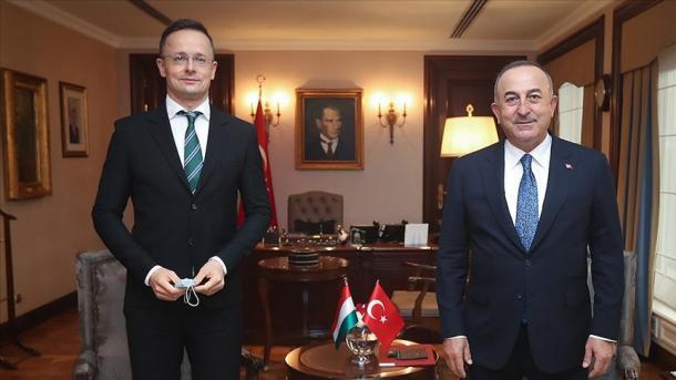 Çavusoglu: Problemet me BE-në mund të zgjidhen vetëm përmes dialogut e diplomacisë | TRT  Shqip