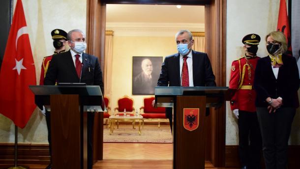 Sentop: Nuk do të lejojmë që organizata terroriste FETO të helmojë marrëdhëniet Turqi-Shqipëri   TRT  Shqip