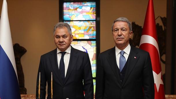 Ministri turk i Mbrojtjes bisedoi me homologun rus për konfliktin Azerbajxhan-Armeni | TRT  Shqip