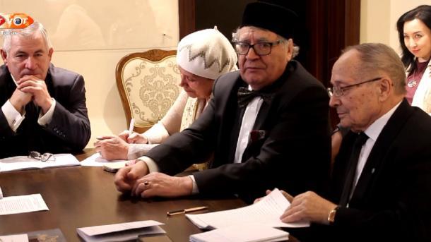 """Rädif Ğataşnıñ fikerläre: """"Şağıyr'neñ soñğı mäxäbbäte""""   TRT  Tatarça"""