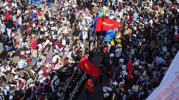 Shtetrrethimi nuk i ndal protestat në Mianmar, Zelanda e Re ndërpret marrëdhëniet | TRT  Shqip