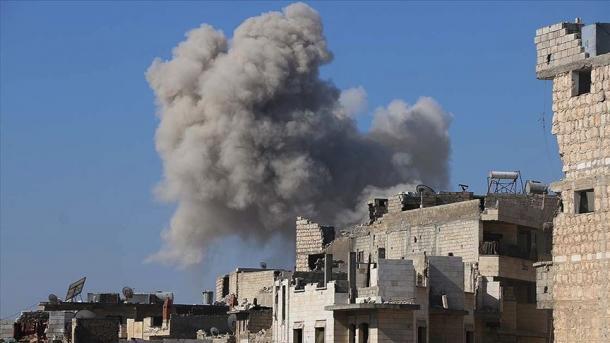 Avionët rusë bombarduan kampin e opozitarëve (SNA) në Idlib   TRT  Shqip