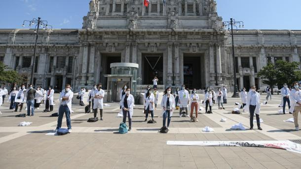 Koronavirusi vazhdon të jetë një krizë shëndetësore në të gjithë botën   TRT  Shqip
