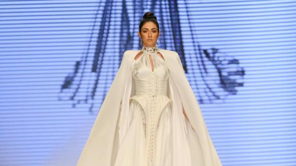 Sektori i fustaneve të nusërisë është takuar në Panairin e Izmirit | TRT  Shqip