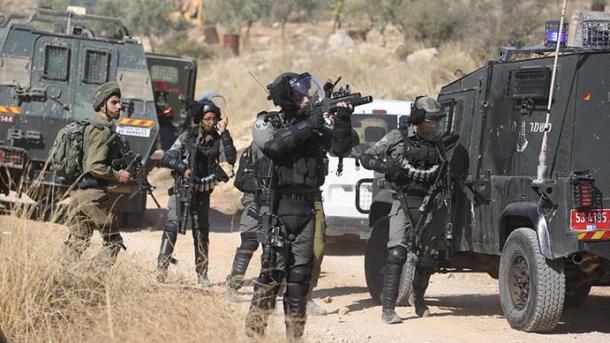 Forcat izraelite plagosin 3 palestinezë gjatë protestave në Bregun Perëndimor | TRT  Shqip