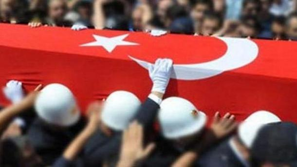 Një ushtar turk bie dëshmor në një sulm me raketa në veri të Irakut | TRT  Shqip