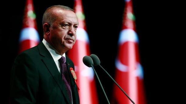 Erdogan ngushëllon familjen e dëshmorit të rënë në Al-Bab të Sirisë | TRT  Shqip