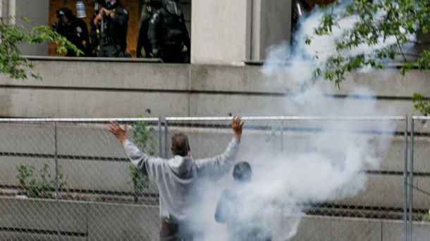 SHBA-ja shënon ditën e shtatë të protestave për vdekjen e George Floyd   TRT  Shqip