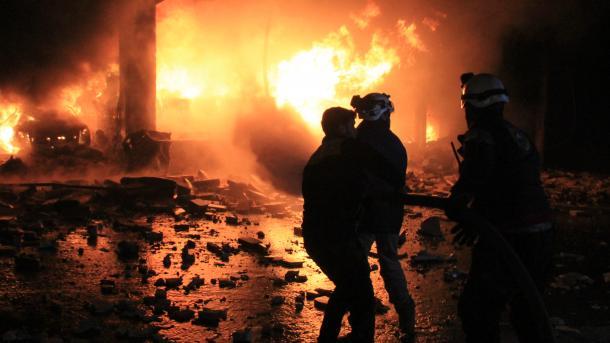 Zračni napad u Idlibu; poginulo deset civila