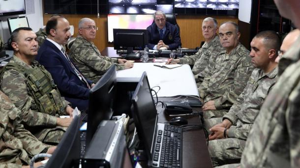 Ushtria turke forcon vigjilencën në kufirin me Sirinë | TRT  Shqip