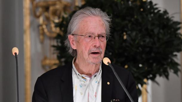 Shqipëria bojkoton ceremoninë e ndarjes së Çmimit Nobel për Letërsi për Peter Handke | TRT  Shqip