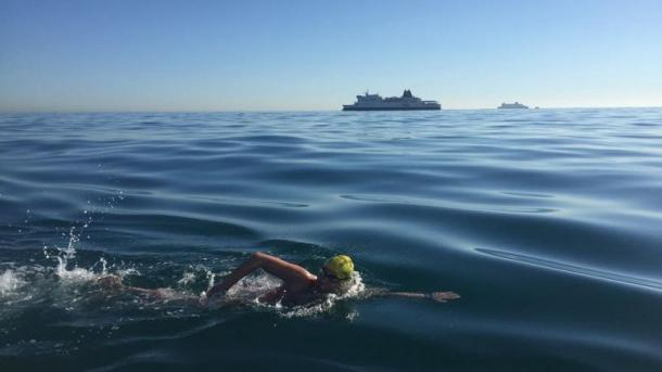 La nadadora dedicó su gesta a todos los supervivientes del cáncer