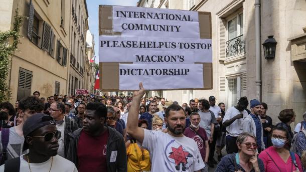 Francë – Protesta kundër imponimit të vaksinës antiCOVID në 174 pika të ndryshme të vendit   TRT  Shqip