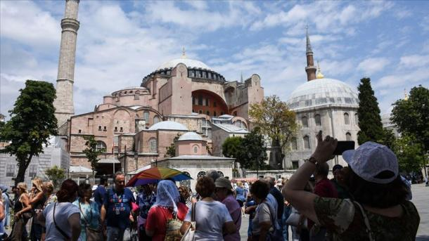 Numri i turistëve gjatë korrikut shënoi rritje me 16,67 për qind | TRT  Shqip