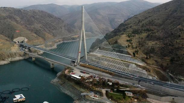 Erdogan: 2021-n duam ta bëjmë një vit përparimi në çdo fushë | TRT  Shqip