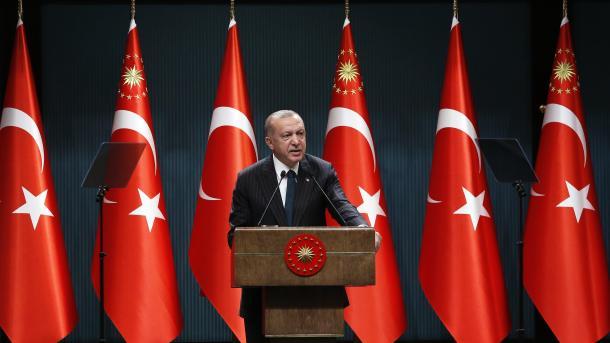 Erdogan: Sanksionet e Amerikës janë sulm ndaj të drejtave të sovranitetit të Turqisë   TRT  Shqip