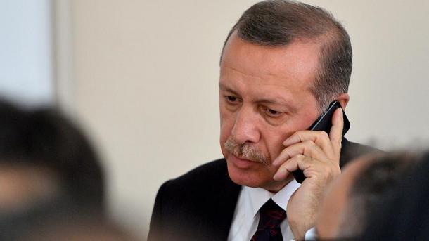 Presidenti Erdogan bisedon me homologun somalez, i përcjell ngushëllimet për sulmin me autobombë   TRT  Shqip