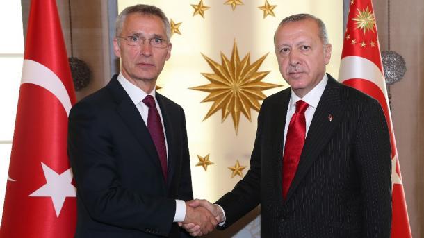 Erdogan në telefon me Stoltenberg: Turqia ruan gjakftohtësinë pavarësisht provokimeve të Greqisë | TRT  Shqip