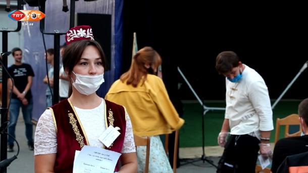 Qazanda açıq hawada tatarça spektakl' / Казанда ачык һавада татарча спектакль | TRT  Tatarça