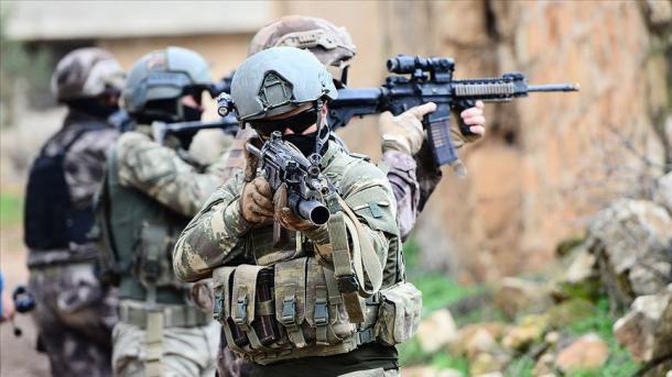 Forcat turke të sigurisë në operacionet e sigurisë së brendshme neutralizuan 3 terroristë | TRT  Shqip