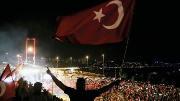 Tentativa e grushtshtetit do të shpjegohet me aktivitete të ndryshme brenda dhe jashtë vendit | TRT  Shqip